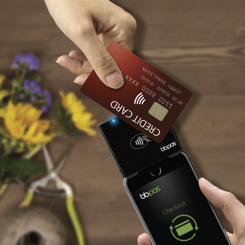 Chipper 2X accepting NFC payment (Photo: Business Wire)