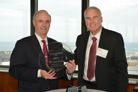 Keith Nosbusch, chairman and CEO, Rockwell Automation, accepts the 2014 North America Procurement Supplier of the Year award for technical procurement - maintenance, repair and operations (MRO) from Andy Murray, head of technical procurement, Nestle. (Photo: Business Wire)