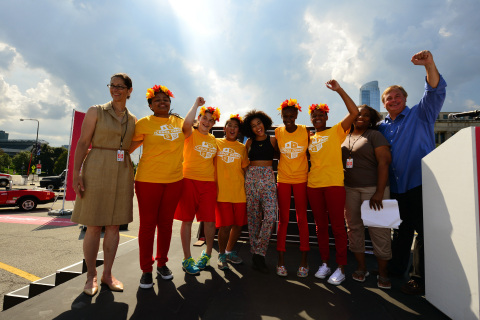 ComEd CEO Anne Pramaggiore, COO Terence Donnelly, celebrity host Amandla Stenberg and the winning team -- Flaming Zing -- at the Field Museum in Chicago for the electric company's Icebox Derby Race Day, encouraging young women to pursue careers in STEM. (Photo: Business Wire)