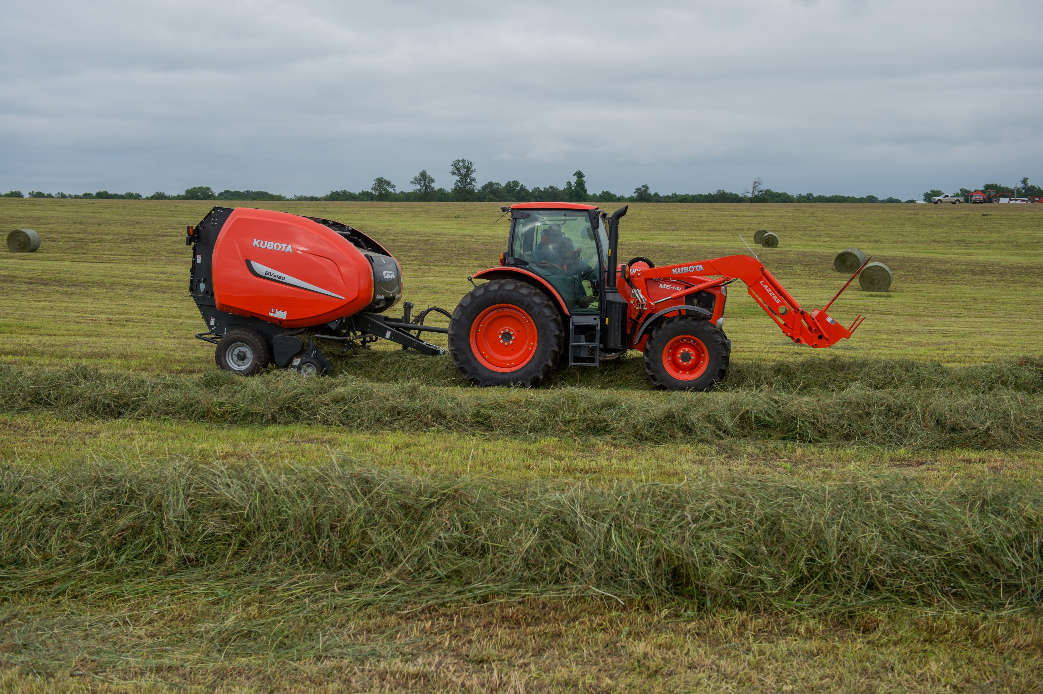 Kubota Introduces New M6-Series: Utility Tractor Line with Deluxe ...
