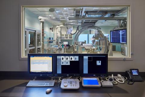 The new University Medical Center New Orleans includes cutting edge technology such as DaVinci Robotic Surgery simulator training, advanced diagnostic tools including DigitalDiagnost, Digital PET/CT, Diagnostic Radiography/Fluoroscopy, Cardiac MRE, Intellispace Portal and Brilliance iCT. (Photo credit: NBBJ/Benjamin Benschneider)