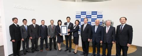 (From left) Six engineers from the Karuizawa plant; Yoshihisa Kainuma, Representative Director, Pres ...
