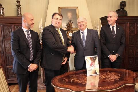 Juan Antonio Rodríguez, Human Resources Manager Axalta Iberia, Kolja Hosch, Head of Country Human Re ...