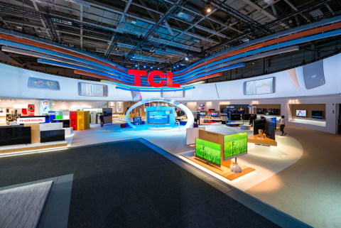 The TCL booth perfectly combines colors with technology. (Photo: Business Wire)