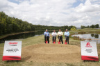 L-R: Owner of Hendrick Motorsports and Chairman of Hendrick Automotive Group, Rick Hendrick, Axalta Chairman and CEO Charlie Shaver, Four-Time NASCAR® Cup Series Champion, Jeff Gordon and Axalta Vice President and Head of Axalta's North America business, Nigel Budden break ground on Axalta's Customer Experience Center (Photo: Axalta)