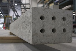 Solidia Concrete™ railroad tie manufactured with patented CO2-curing process (Photo: Business Wire)