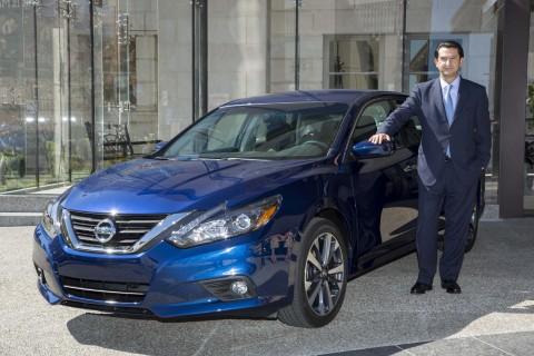 José Muñoz presents new 2016 Altima in Detroit (Photo: Business Wire)