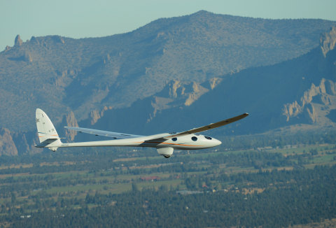 Perlan 2 over Central Oregon during first flight (Photo: Business Wire)
