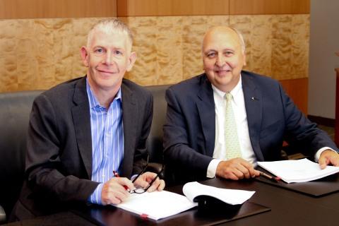 Mark Allin and Jack Kosakowski, President and CEO of Junior Achievement USA (Photo: Business Wire)