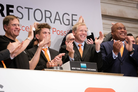 Pure Storage CEO Scott Dietzen (second from right) rings the NYSE Opening Bell to celebrate the company's first day as a publicly-traded company.  (Photo: NYSE)