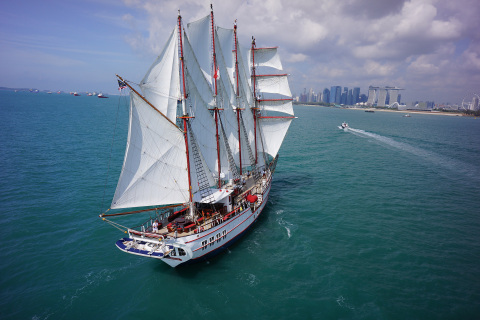 Luxury Tall Ship Royal Albatross sailing into Singapore (Photo: Business Wire)