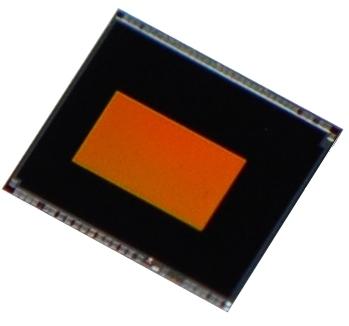 東芝:近赤外線カメラ向け1.12μm裏面照射型(BSI) 2.1メガピクセルCMOSイメージセンサ「T4KE1」 (写真:ビジネスワイヤ)