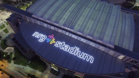 A bird's eye view of NRG Stadium's roof shines with more than 125,000 LED lights to showcase the stadium logo. The signage encompasses nearly 50,000 square feet but only requires 15 kilowatts of energy, the same as around five home air-conditioning units. (Photo: Business Wire)