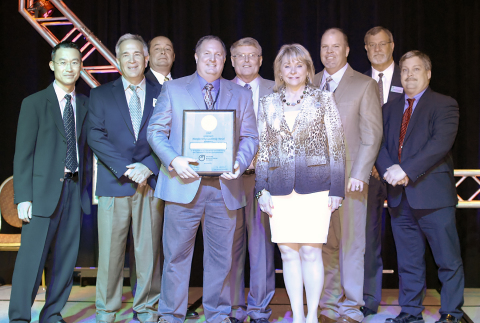 Oklahoma Governor Mary Fallin presents Temtrol General Manager Andrew Halko with the Manufacturing Leadership Award from the Oklahoma Manufacturing Alliance. Pictured from left to right are Brandon Lam and John Habel, both of Temtrol; Dave Rowland, President of the Oklahoma Manufacturing Alliance; Mr. Halko; Vance Baustert of Temtrol; Governor Fallin; Jerry James of Temtrol; Mike Raymond, Manufacturing Extension Agent for the Alliance and Kevin Flynn of Temtrol. (Photo: Oklahoma Manufacturing Alliance)