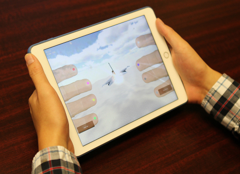 HandScape's HandyCase Enables Front and Backside Touch Controls. (Photo: Business Wire)