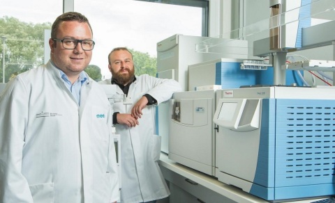 University of Muenster Using Obitrap-based GC-MS to Advance Lithium-Ion Battery Research. Left to ri ...