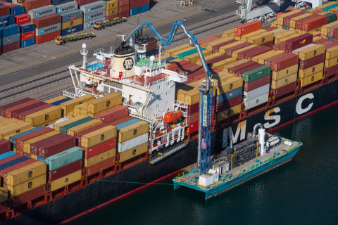 The AEG AMECS barge system connects to container ships to reduce emissions. (Photo: Business Wire)