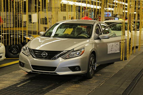 New 2016 Nissan Altima production begins in Smyrna (Photo: Business Wire)