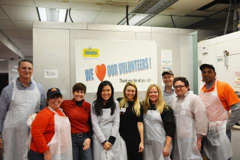 Members of Axalta's Industrial Coatings team volunteer at MANNA in Philadelphia (Photo: Axalta)