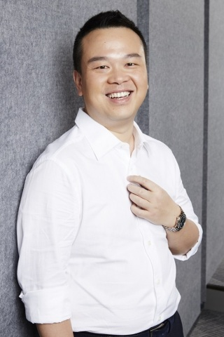 Lin Qi, Founder and Chairman of Youzu Interactive, Chairman of Yoozoo Pictures (Photo: Business Wire)