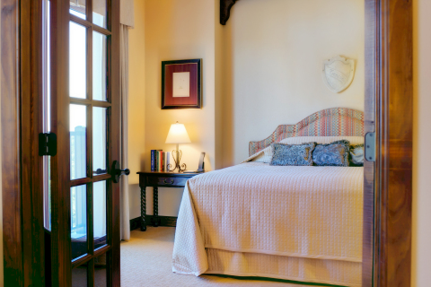 Hotel Granduca Austin features 194 artfully designed rooms and suites. (Photo: Business Wire)