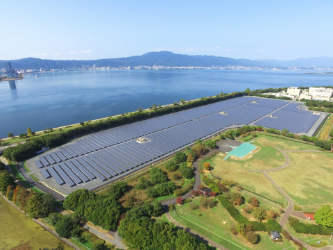 8.5MW solar power plant completed by Kyocera TCL Solar on an reclaimed island on Japan's largest lake (Photo: Business Wire)