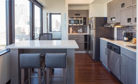 Hyatt House New Orleans/Downtown offers 114-residentially inspired Kitchen Suites that feature fully-equipped kitchens, comfortable living rooms and spacious bedrooms  (Photo: Business Wire)