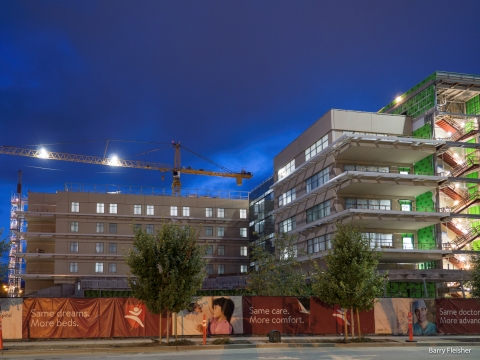 Lucile Packard Children's Hospital Stanford is one step closer to the summer 2017 opening of the nation's most technologically advanced, family-friendly and environmentally sustainable hospital for infants, children and expectant mothers. (Photo: Business Wire)