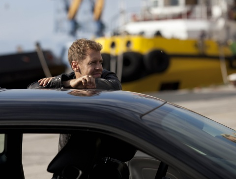 Sebastian Vettel beim Dreh des außergewöhnlichen Spots (Photo: Business Wire)