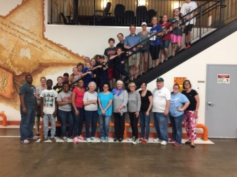 Westwood Volunteers at the North Texas Food Bank (Photo: Business Wire)