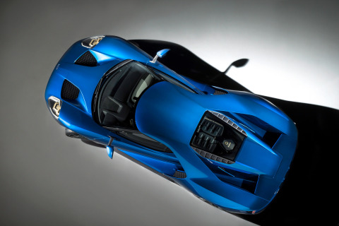 Developed by Ford and Corning, the industry-first Corning® Gorilla® Glass© hybrid technology will be used on both the windshield and rear engine cover of Ford GT, contributing to enhanced vehicle handling, improved fuel efficiency and reduced risk of glass damage. (Photo: Business Wire)