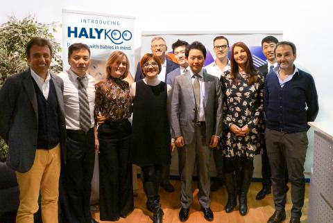 """APR and HLK Halykoo team"" (Photo: APR)."