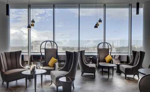 Featuring classic design and panoramic views of the UK's South Coast, Hilton Hotels & Resorts welcomes Hilton Bournemouth to its Portfolio (Photo: Business Wire)