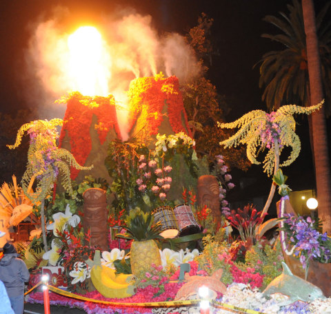 Dole Packaged Foods was awarded Sweepstakes Trophy for its Rose Parade float in 2015, extending Fiesta Parade Floats record of building the Sweepstakes Trophy winning float to 22 consecutive years. (Photo: John Hayes)