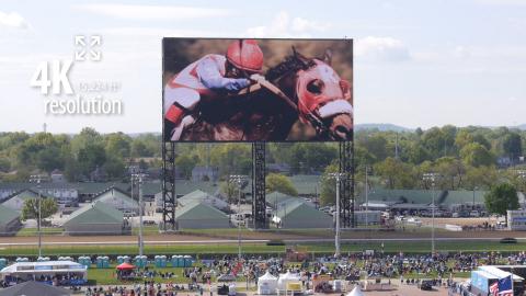 邱吉爾・唐斯賽馬場安裝全球最大的4K視訊板(照片:美國商業資訊)