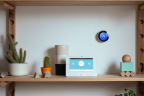 The Vivint Glance display with the Nest Thermostat (Photo: Business Wire)