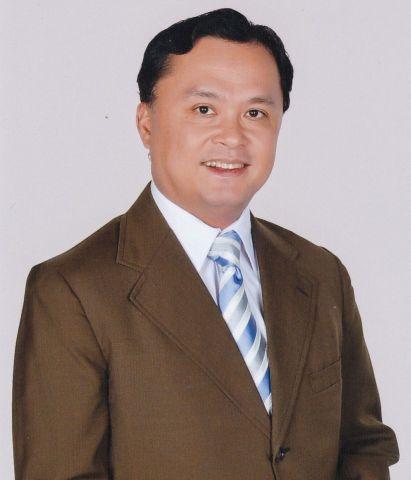 フランシス・グレゴリー・サモンテ医師の写真(写真:ビジネスワイヤ)