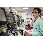 Engineers at the Samsung Bioepis R&D Center (Photo: Business Wire)