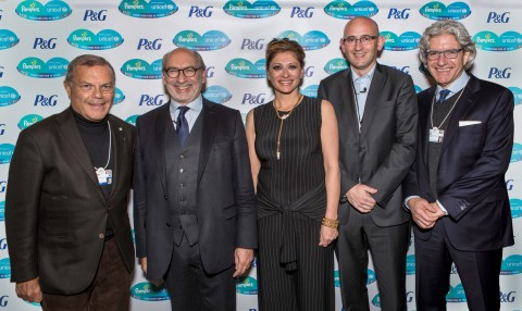 Pampers and UNICEF mark the impact of a 10-Year Public-Private Partnership at the World Economic Forum in Davos. L-R: Sir Martin Sorrell, Gérard Bocquenet, Maria Bartiromo, Gary Coombe, David Sable. (Photo: Business Wire)