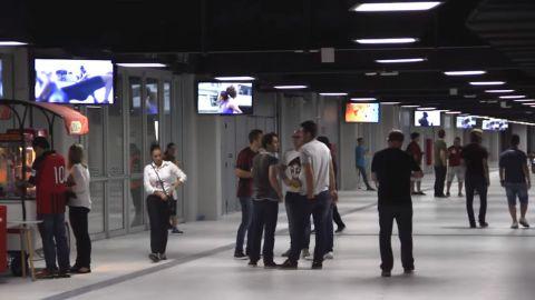 160台Viera 50寸電視機和60台Viera 42寸電視機分布於體育場的各個區域(照片:美國商業資訊)。