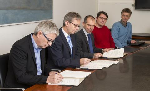 (L-R): Dr. Thorvaldur Ingvarsson, Executive Vice President of R&D of Össur; Dr. Jon Atli Benediktsso ...