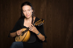 Caterina Lichtenberg releases online classical mandolin lessons through ArtistWorks.com. (Photo: Business Wire)