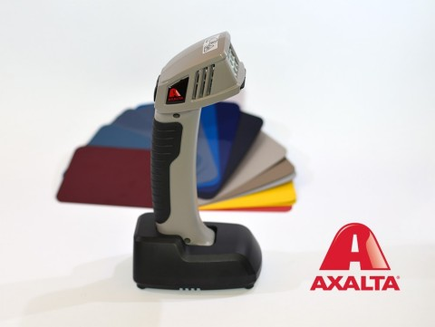 Axalta's Speed Light utilizes the latest LED technology to give body shops optimal lighting conditions at every stage of the repair process. (Photo: Axalta)