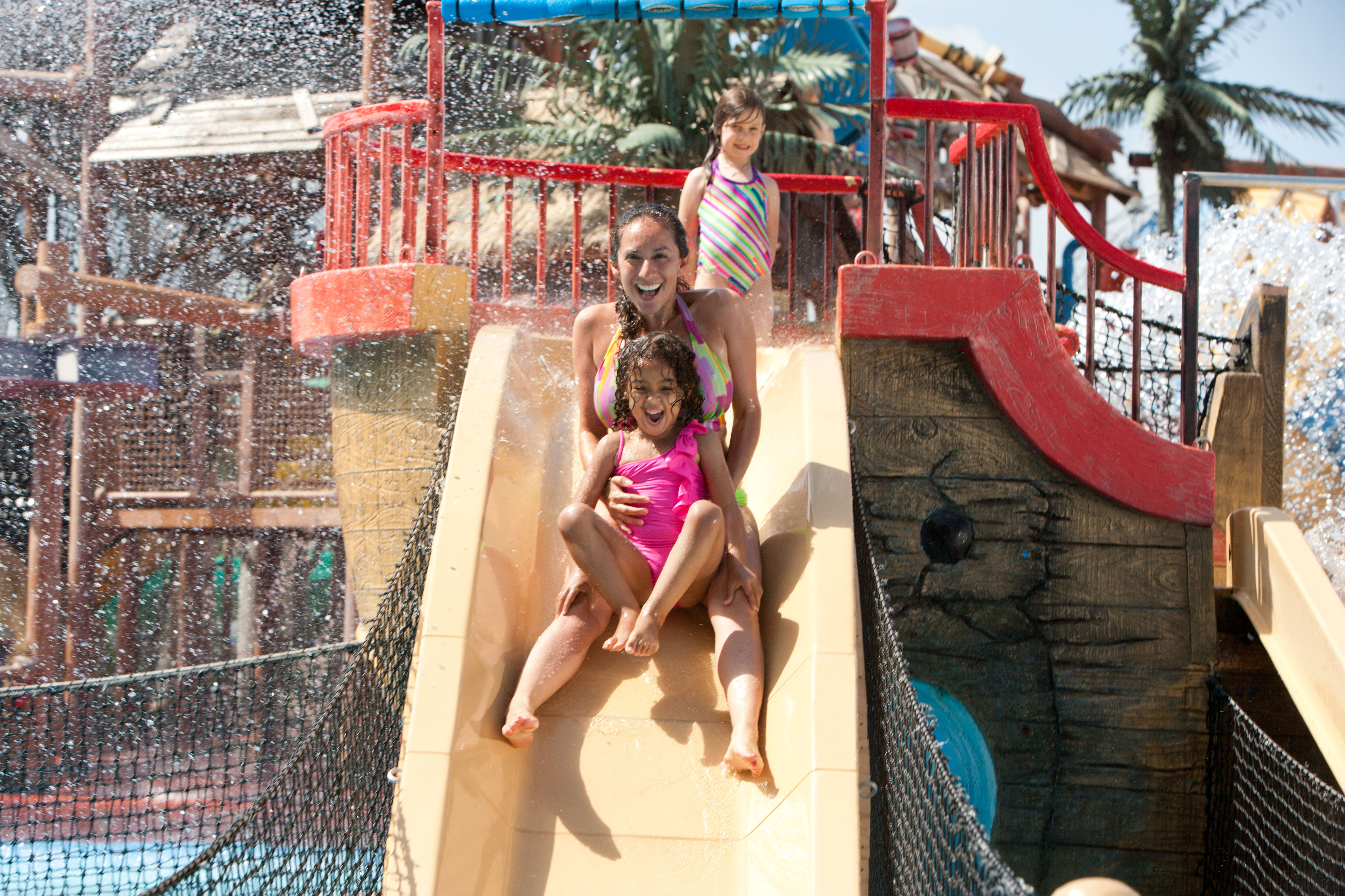 Six Flags Hurricane Harbor Opening in Oaxtepec, Mexico in 2017 (Photo: Business Wire)