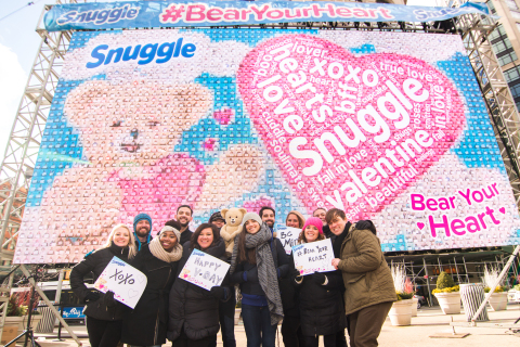 Snuggle Bear surrounded by people who visited the #BearYourHeart event to share their heart-felt emotion this Valentine's Day season on Feb. 11, New York (Photo: Business Wire)