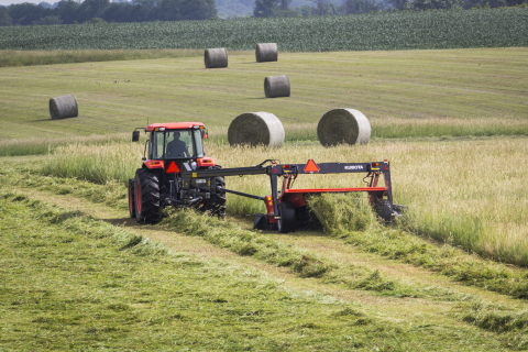 Rounding out Kubota's DMC8000 Series of trailed mower conditioners is the new DM8028R. (Photo: Business Wire)