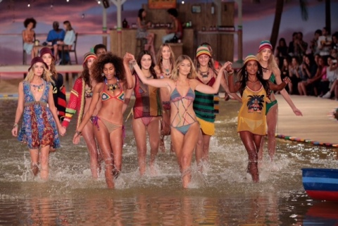Tommy Hilfiger Spring 2016 (Photo: Business Wire)