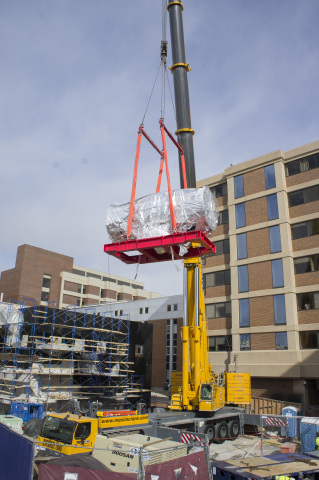 A crane lifts a MEVION S250 proton accelerator as it is delivered to MedStar Georgetown University Hospital on Saturday, February 13. (Photo: Business Wire)