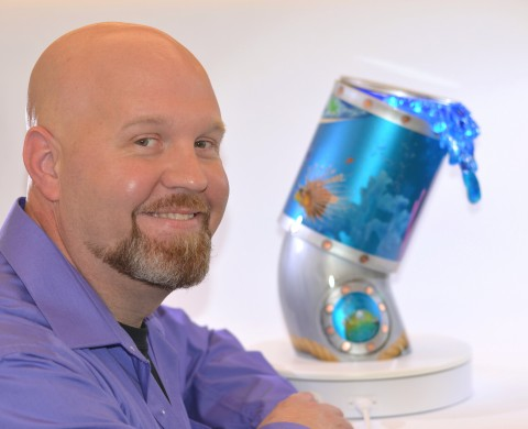 """Mike """"Splash"""" Burton and his winning design called, """"Thinking Outside the Can"""". (Photo: Axalta)"""