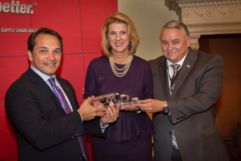 (From left to right): President of Ryder Dedicated Transportation Solutions, John Diez; President and Publisher of Miami Herald Media Company, Alexandra Villoch; and Regional VP of Production for Miami Herald Media Company, Craig Woischwill.  (Photo: Business Wire)